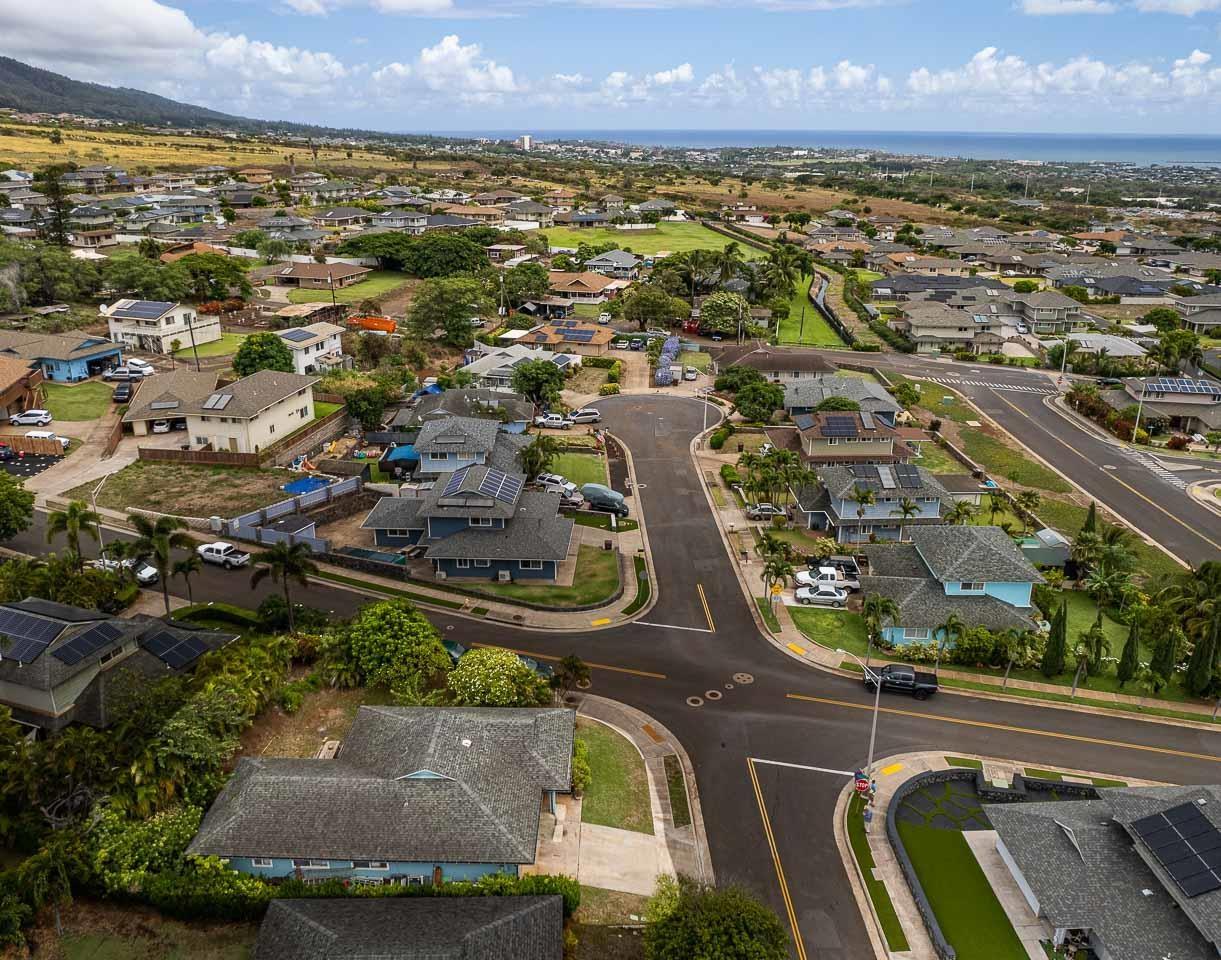 1326  Kawika St Waikapu, Wailuku home - photo 4 of 27