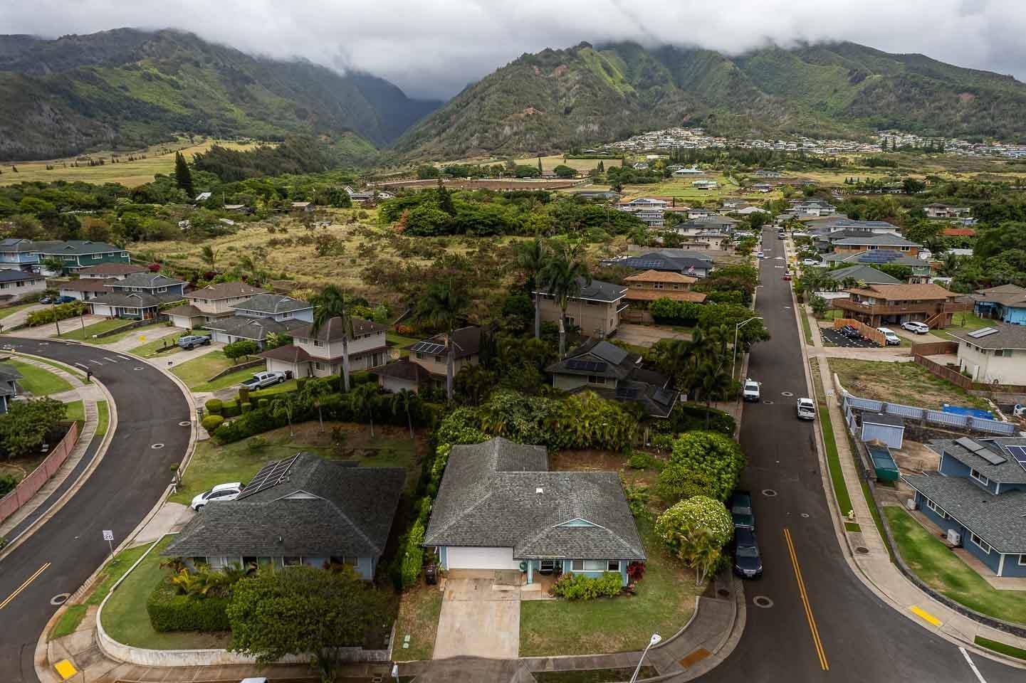 1326  Kawika St Waikapu, Wailuku home - photo 6 of 27
