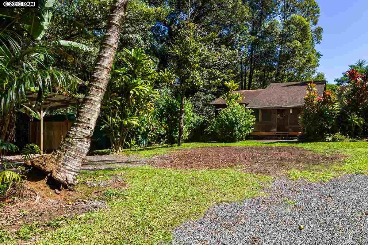 225/255 Kalipo Pl Maui Ranch Estates, home - photo 1 of 30