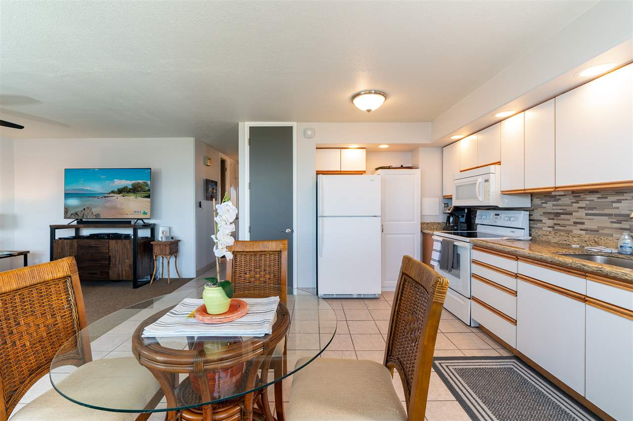 Maui Parkshore condo # 402, Kihei, Hawaii - photo 5 of 11