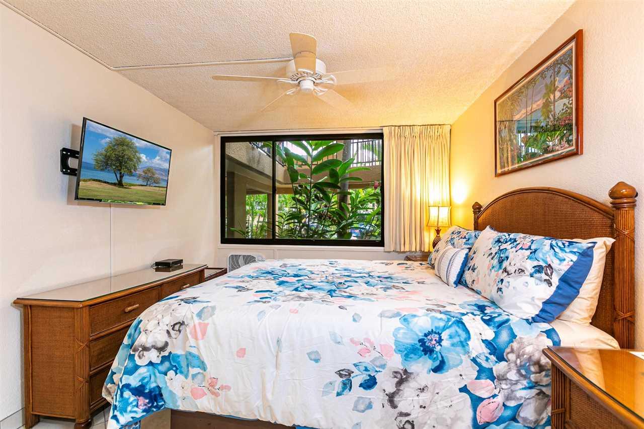 Kamaole Sands condo # 6-102, Kihei, Hawaii - photo 8 of 30