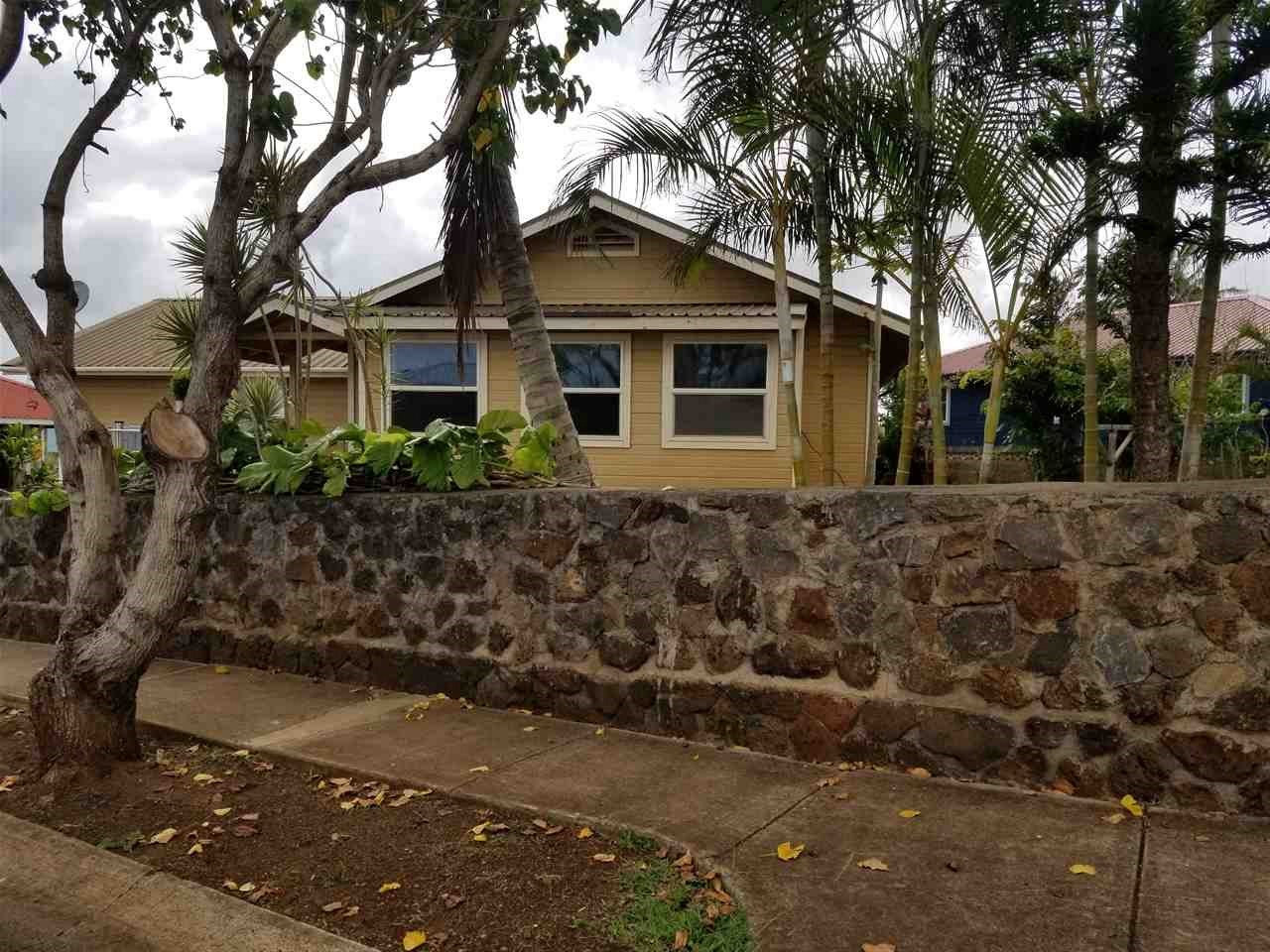 368  ILIAHI St , Lanai home - photo 2 of 21