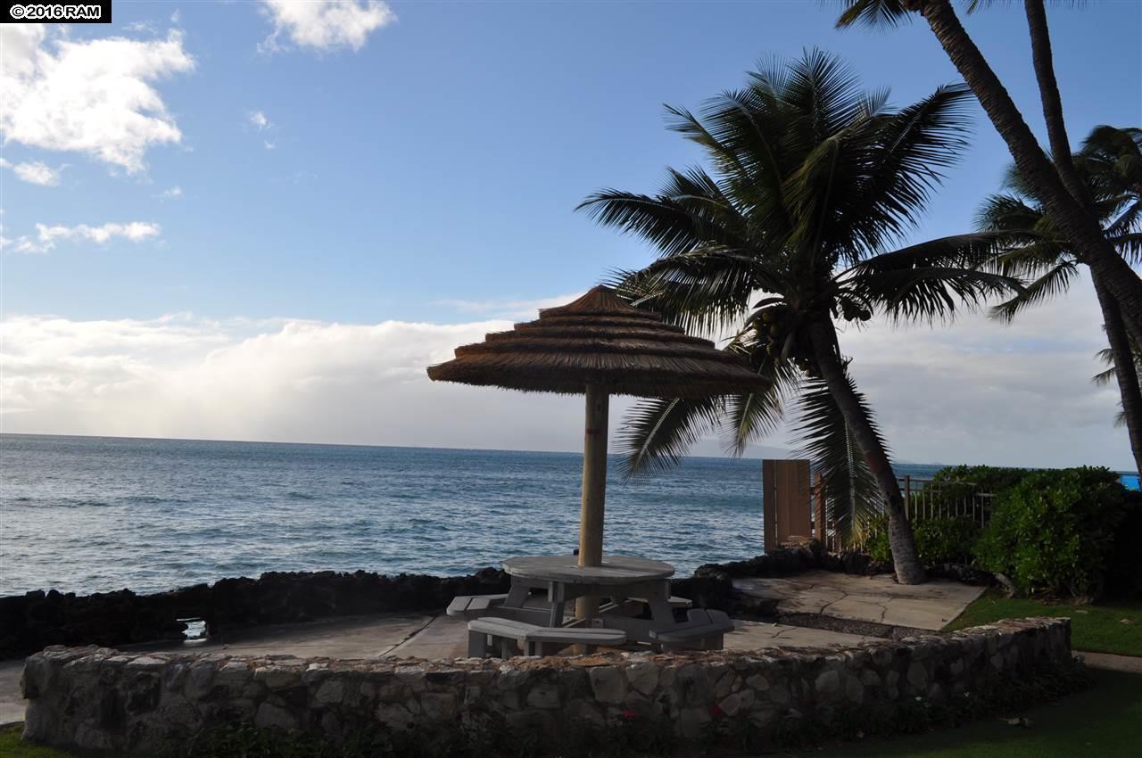 Kaleialoha condo # 411, Lahaina, Hawaii - photo 12 of 13