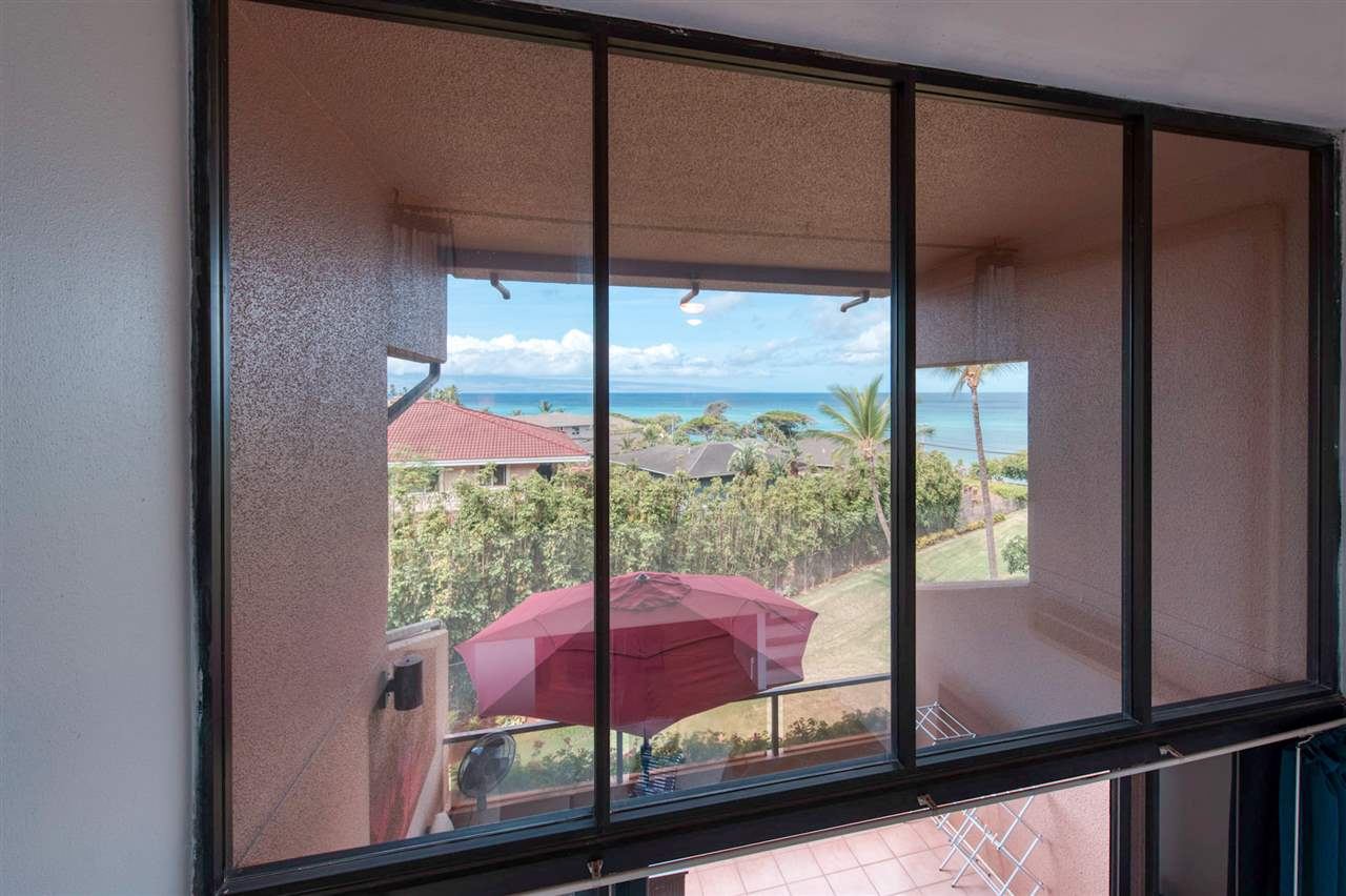 Kahana Villa condo # E412, Lahaina, Hawaii - photo 21 of 22