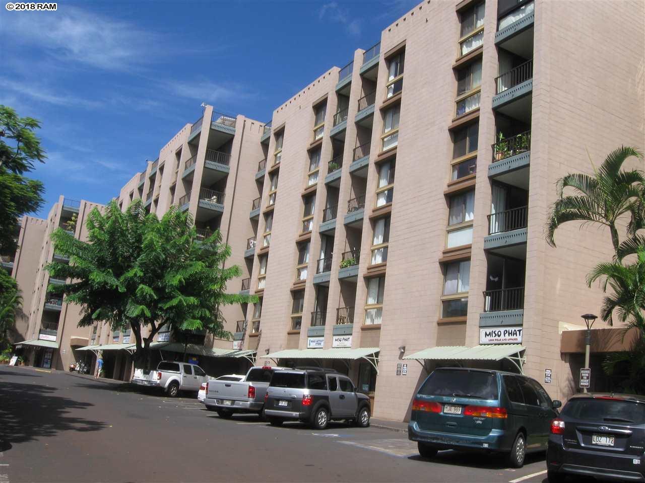 Kahana Manor condo # 211, Lahaina, Hawaii - photo 2 of 3