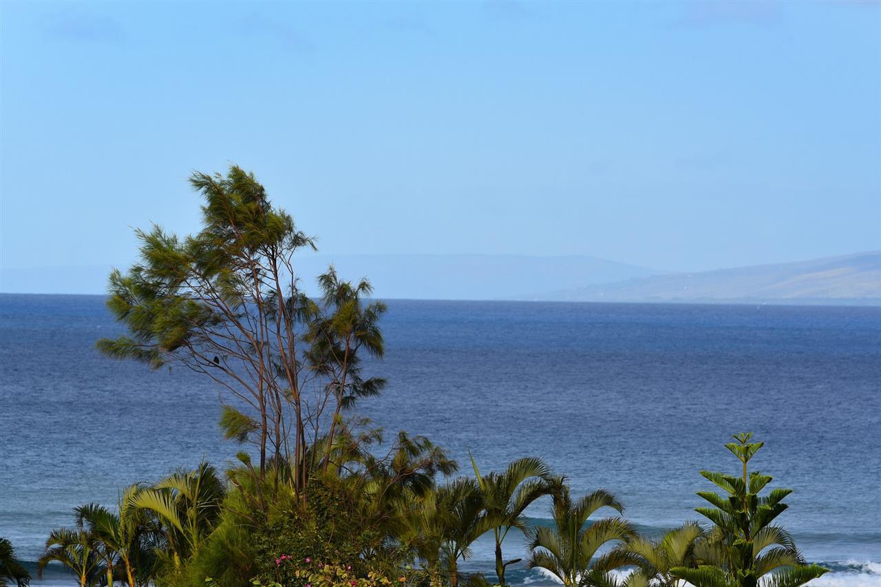 Kahana Manor condo # 301, Lahaina, Hawaii - photo 1 of 28