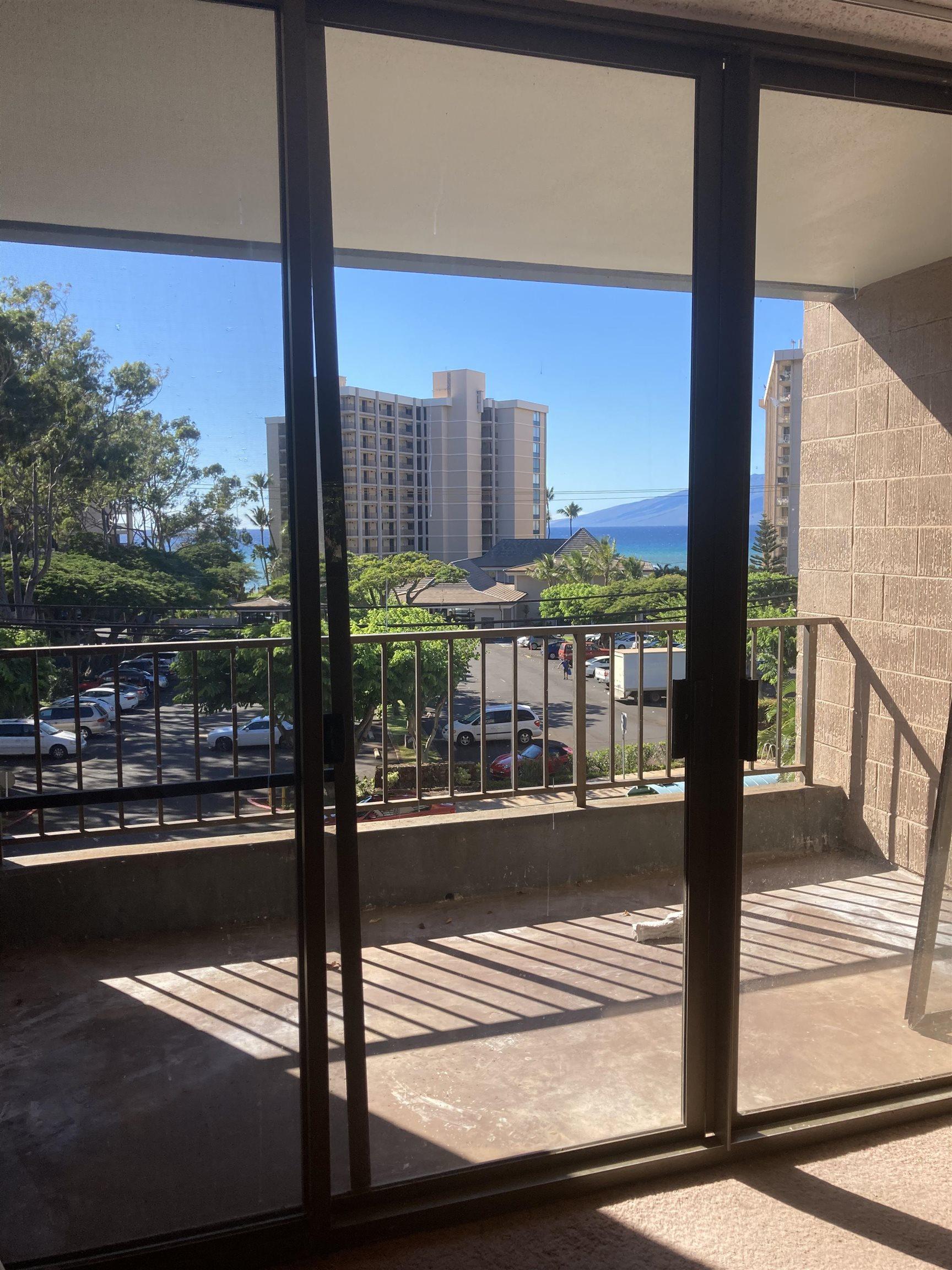 Kahana Manor condo # 305, Lahaina, Hawaii - photo 6 of 6