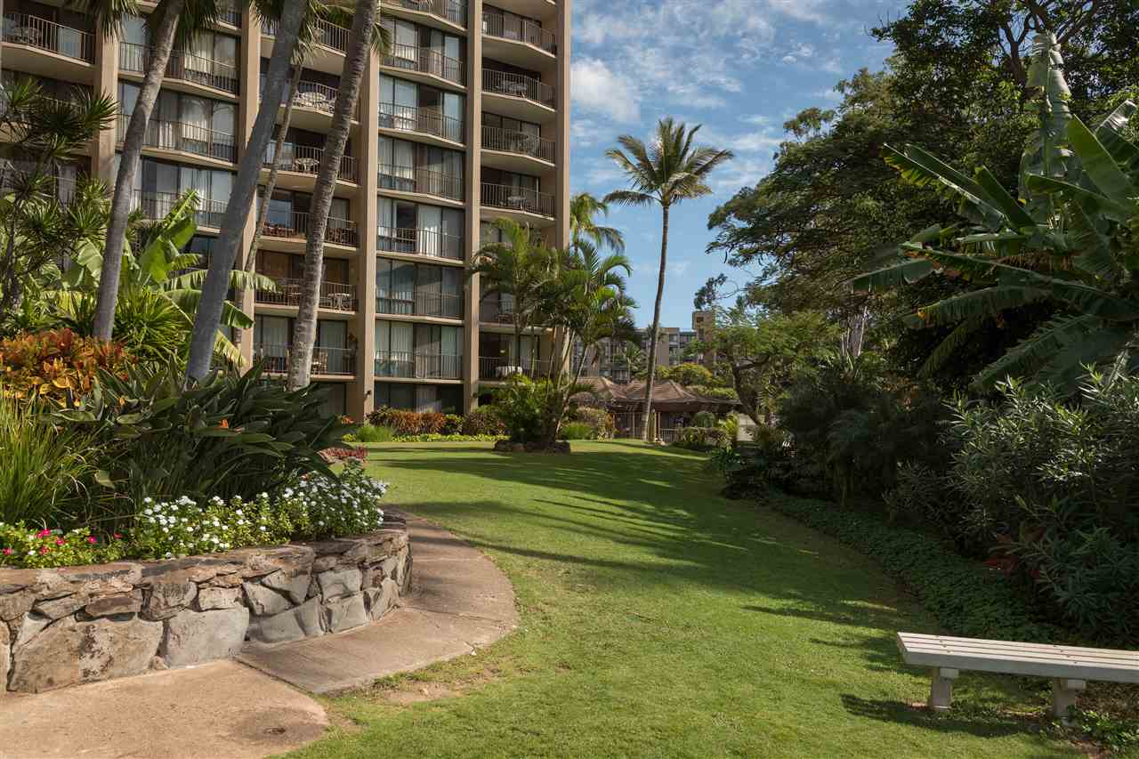Valley Isle Resort condo # 1001, Lahaina, Hawaii - photo 18 of 23