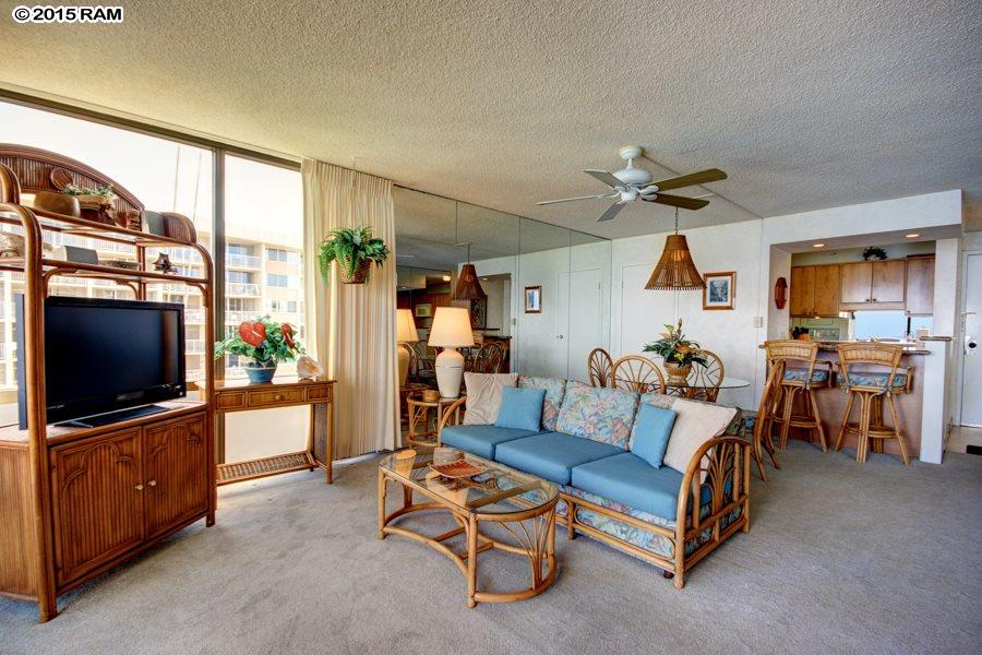 Valley Isle Resort condo # 1004, Lahaina, Hawaii - photo 18 of 25