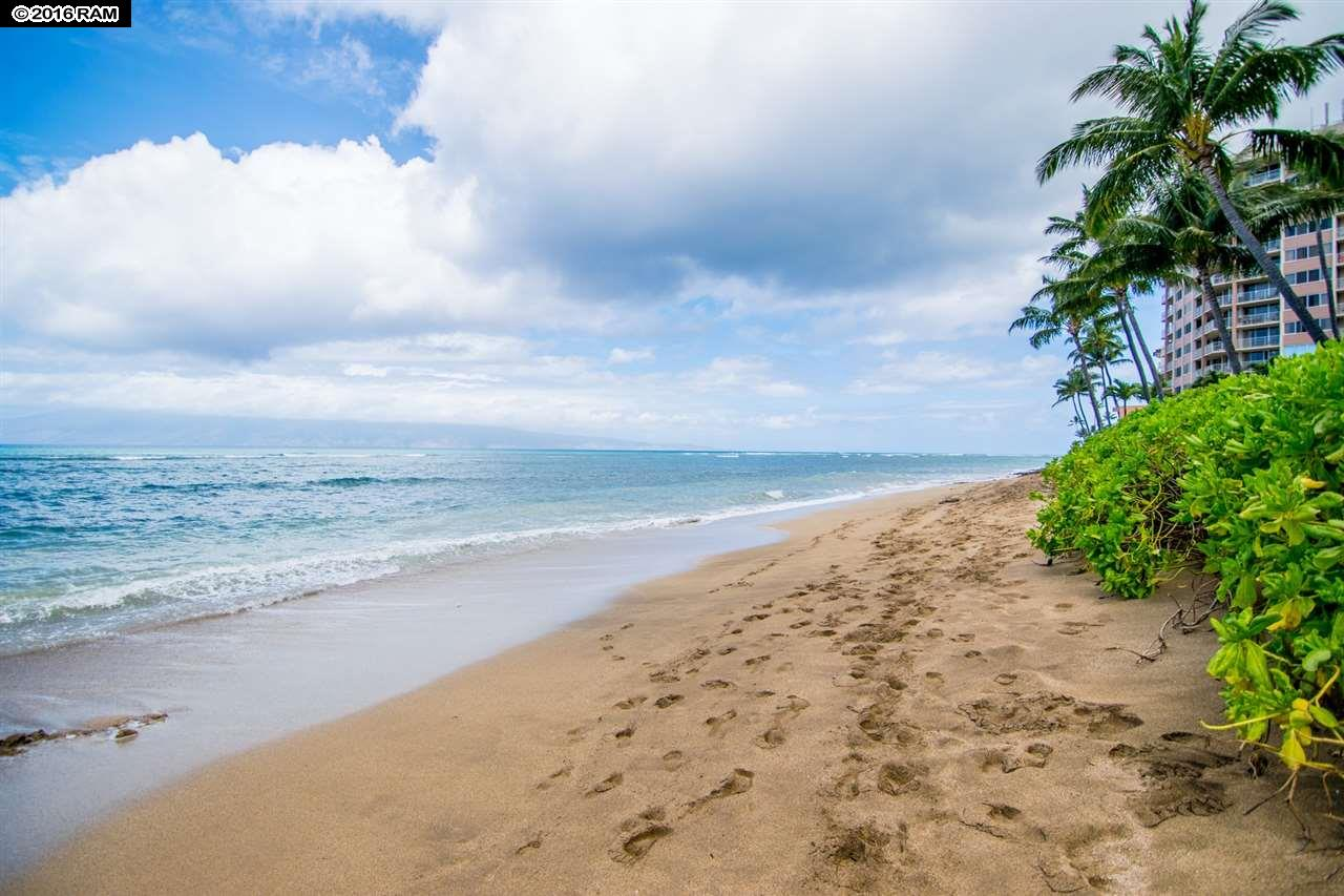 Valley Isle Resort condo # 1107, Lahaina, Hawaii - photo 14 of 17
