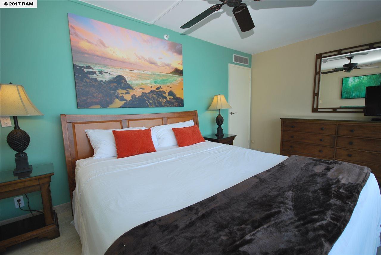 Valley Isle Resort condo # 1108, Lahaina, Hawaii - photo 6 of 18