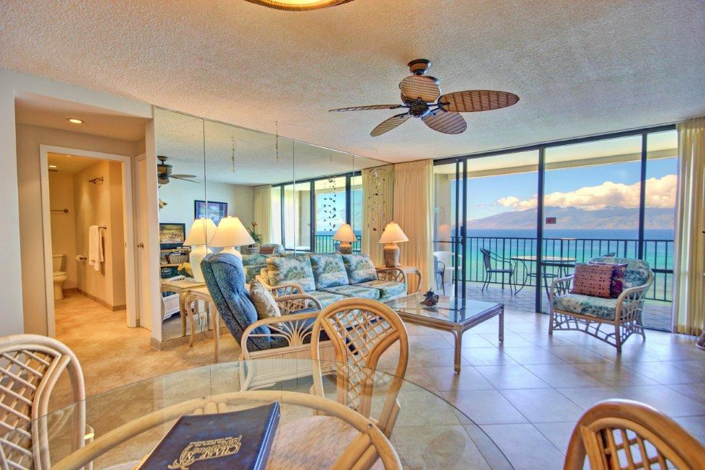 Valley Isle Resort condo # 1209, Lahaina, Hawaii - photo 13 of 30