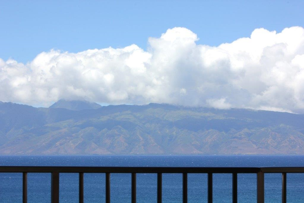 Valley Isle Resort condo # 1209, Lahaina, Hawaii - photo 3 of 30