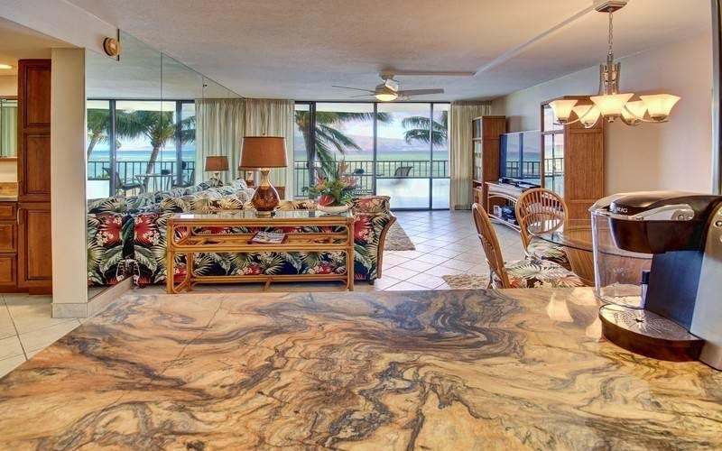 Valley Isle Resort condo # 309, Lahaina, Hawaii - photo 10 of 28