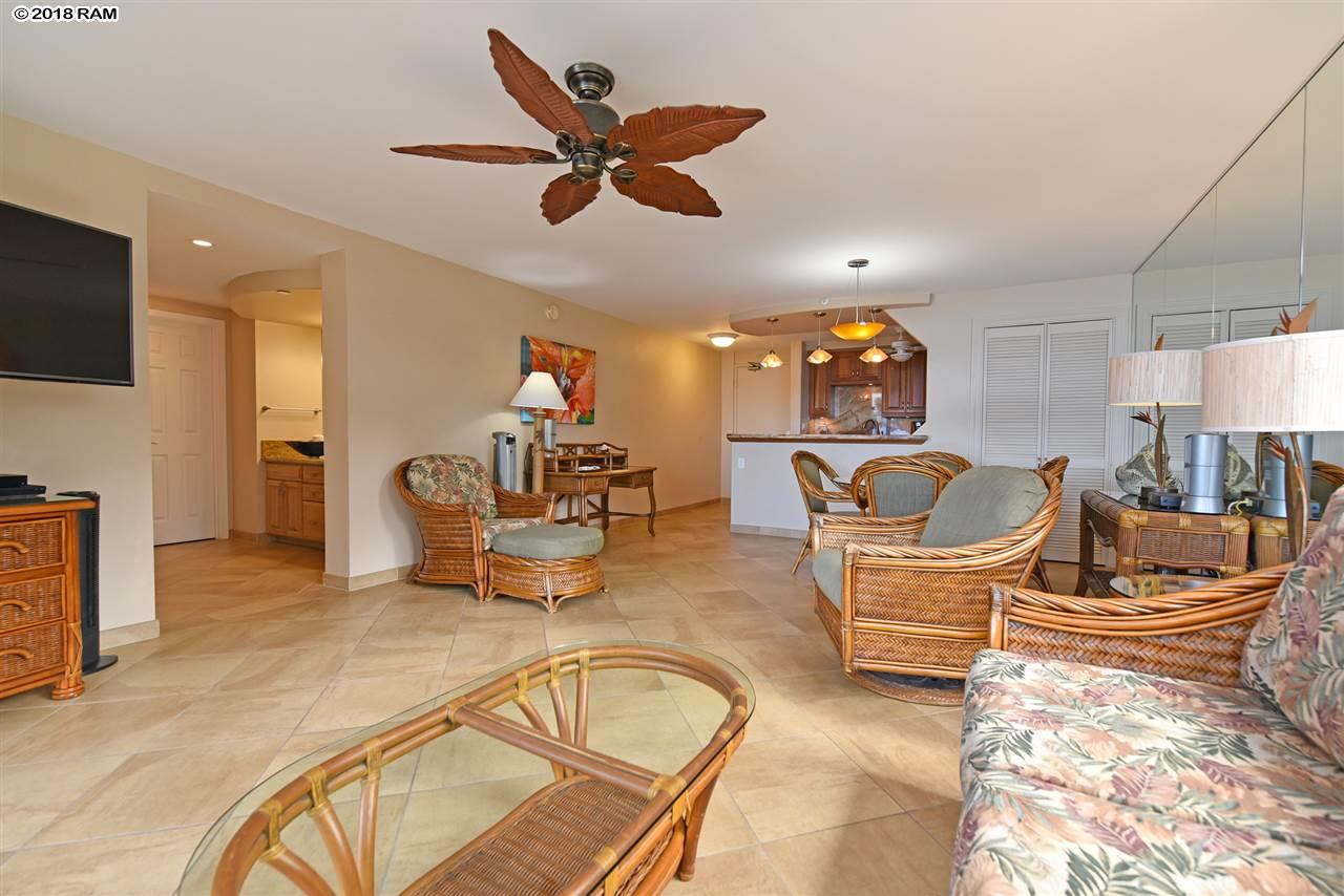 Valley Isle Resort condo # 401, Lahaina, Hawaii - photo 5 of 30