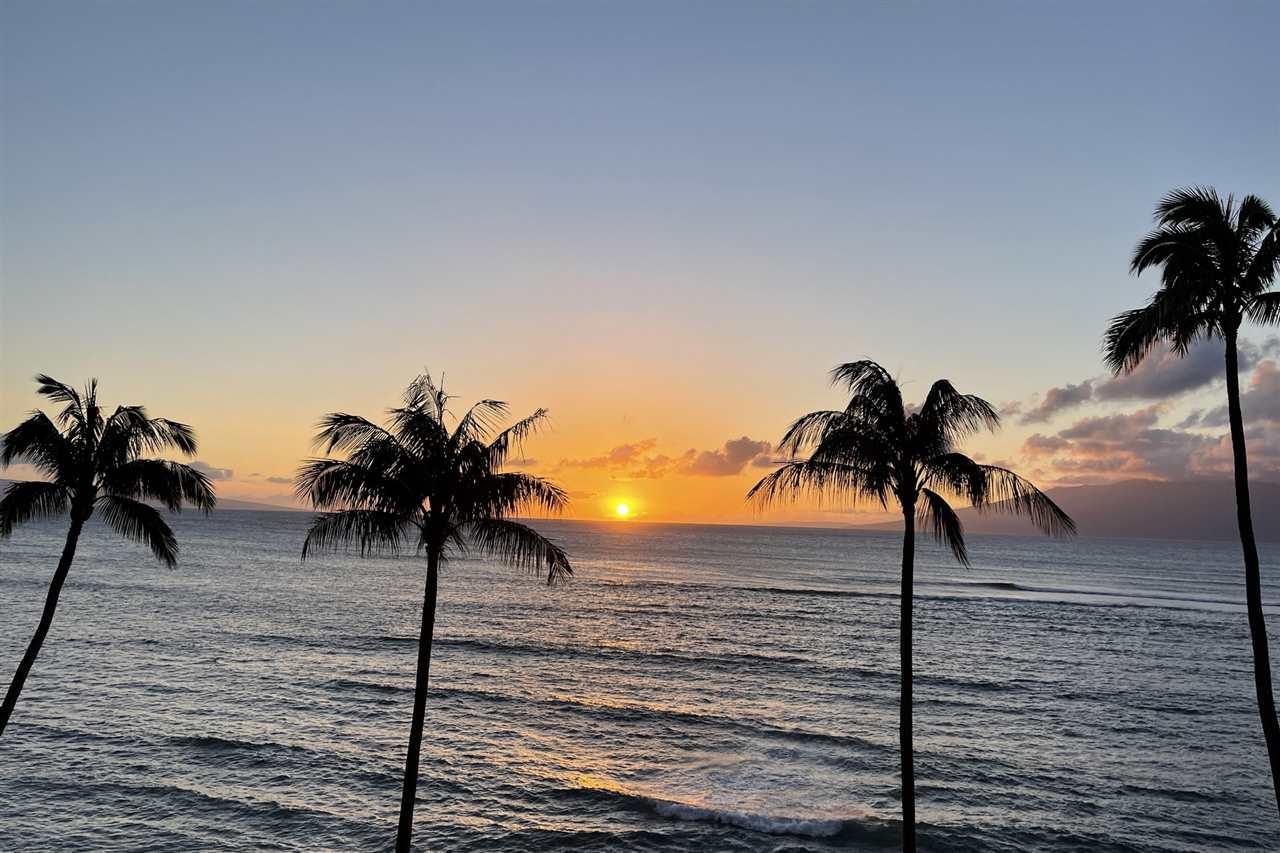 Valley Isle Resort condo # 405B, Lahaina, Hawaii - photo 2 of 28