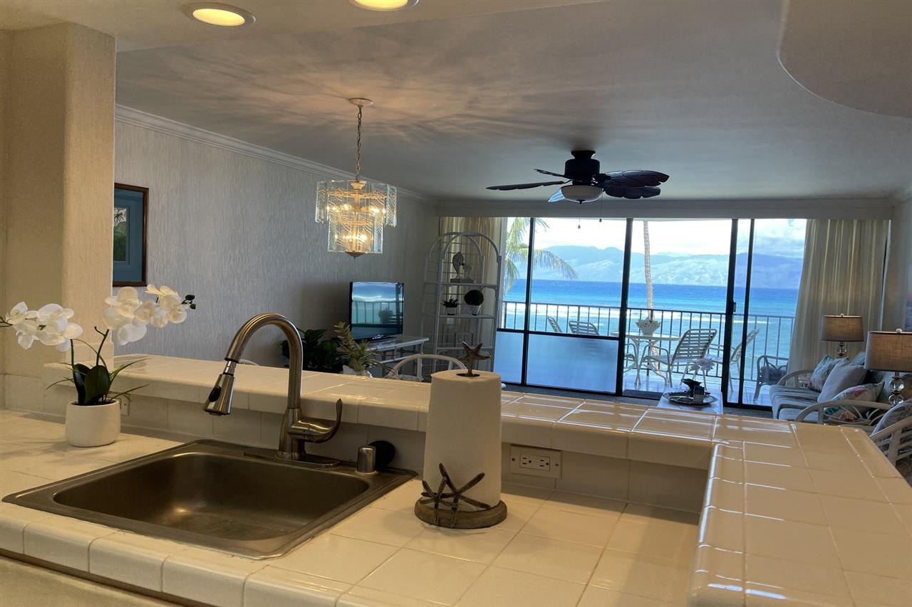 Valley Isle Resort condo # 405B, Lahaina, Hawaii - photo 11 of 28