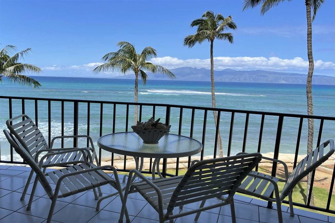 Valley Isle Resort condo # 405B, Lahaina, Hawaii - photo 4 of 28