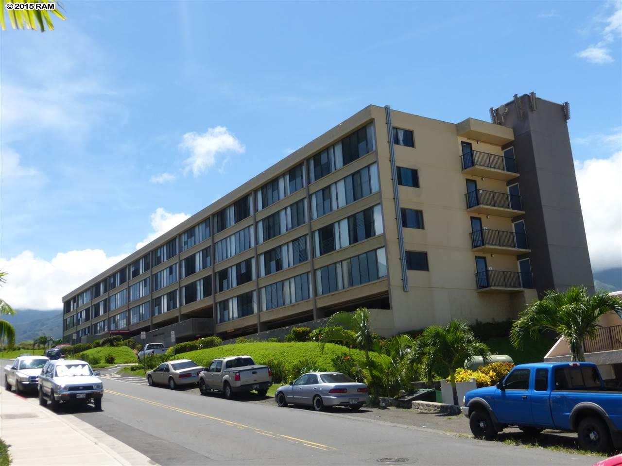 Puuone Terrace condo # 417, Wailuku, Hawaii - photo 3 of 29