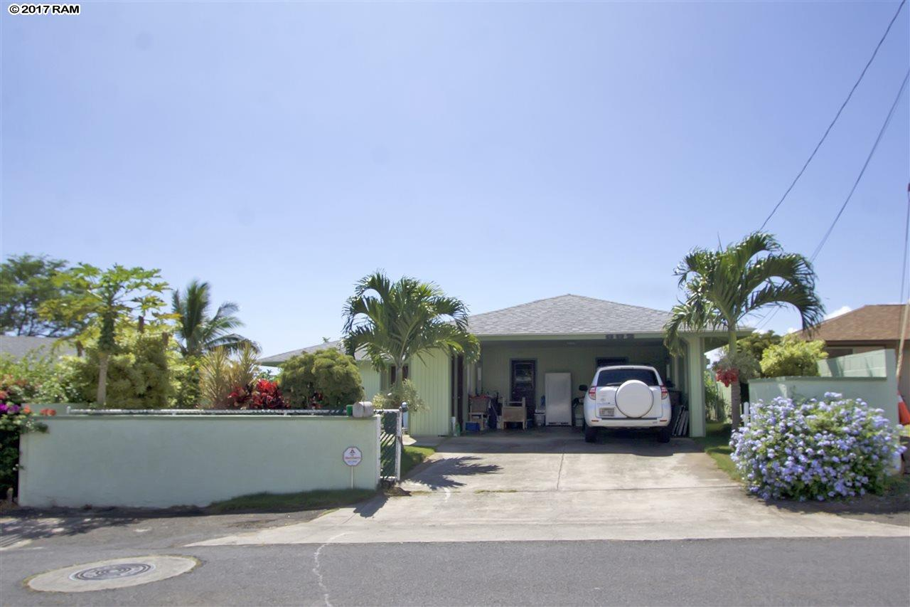 682  Hilinai St , Wailuku home - photo 2 of 29