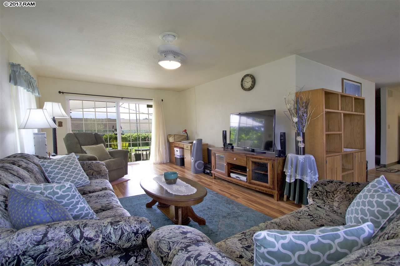 682  Hilinai St , Wailuku home - photo 6 of 29