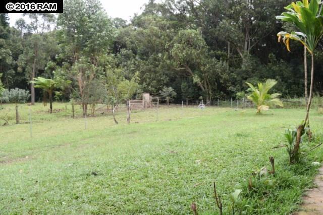 685  Upper Ulumalu Rd , Haiku home - photo 15 of 30