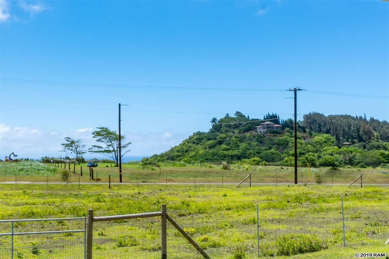691  Auwaha St Haiku Town, Haiku home - photo 4 of 16