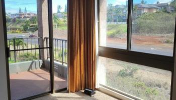 Kahana Manor condo # 518, Lahaina, Hawaii - photo 1 of 2