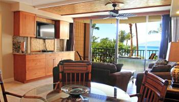 Valley Isle Resort condo # 403, Lahaina, Hawaii - photo 2 of 22